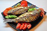 Как вкусно запечь рыбу в духовке с овощами – Как приготовить рыбу с овощами в духовке