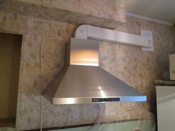 Монтаж вытяжки и воздуховода на кухне