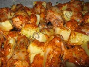 Запеченные куриные ножки с картошкой под сыром